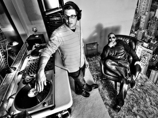 Indianapolis - New York - Austria  Jeff - Musician - Deejay  Jason - Artist - Photographe