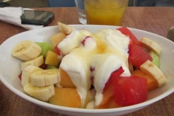Fresh fruit with Yogurt and Honey