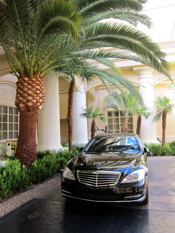 Four seasons hotel is an oasis in the desert social vixen for Mercedes benz rental las vegas