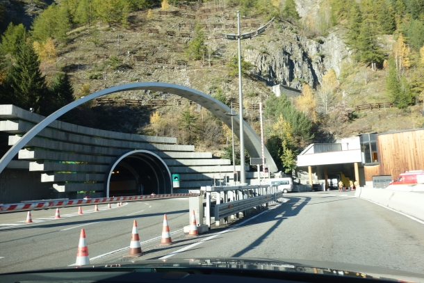 Driving from northern Italy to France-DSC04185