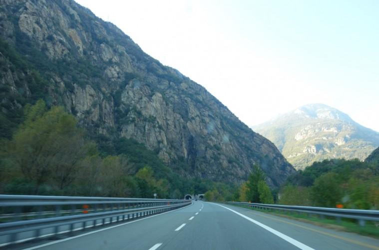 Tunnel in Italy-DSC02483