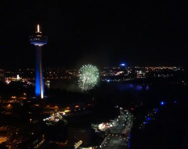 niagra falls fireworks-DSC00988