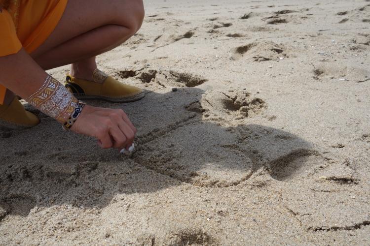 Heart in the sand-DSC00375