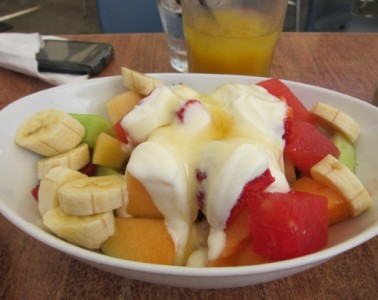 Fresh fruit with Yogurt and Honey