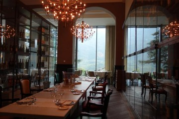 Dining at Grand Hotel Billia-DSC00915