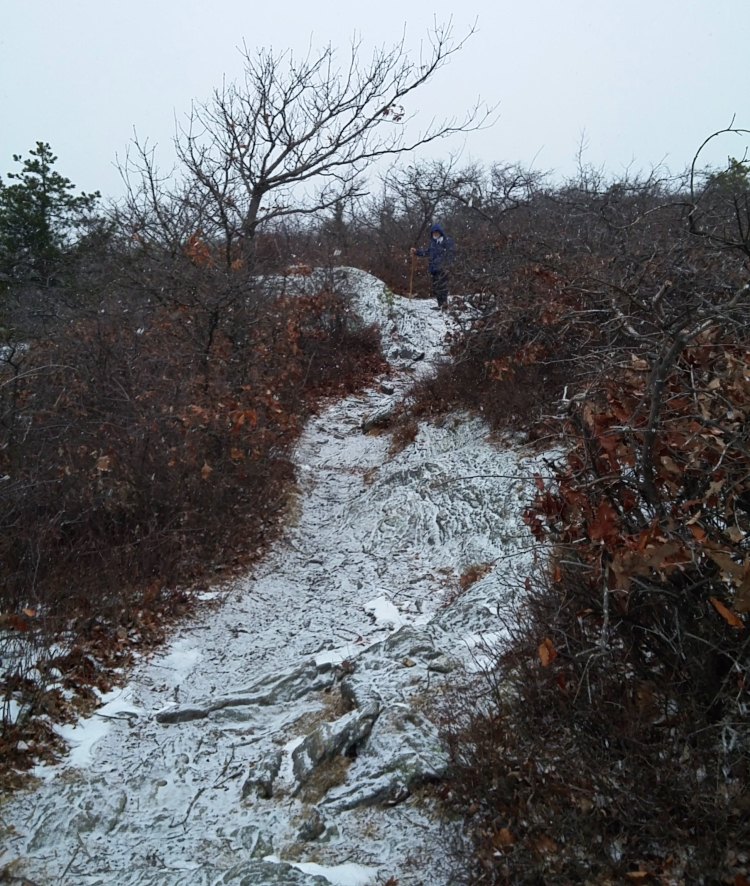 Appalachian Trail Undermountain Parking125959