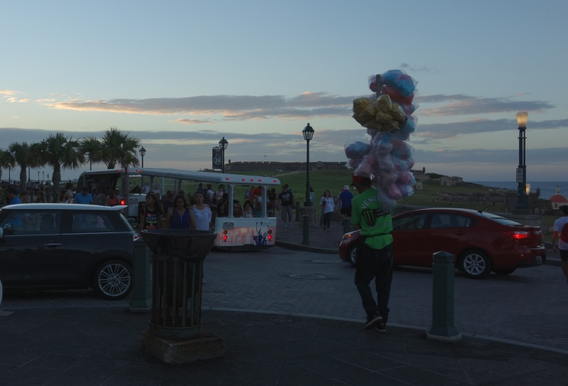 fly a kite Old San Juan-DSC08096