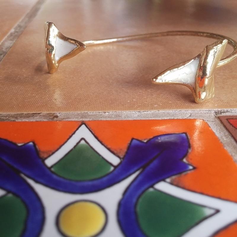 Janna Connor Shark tooth bracelet_143536
