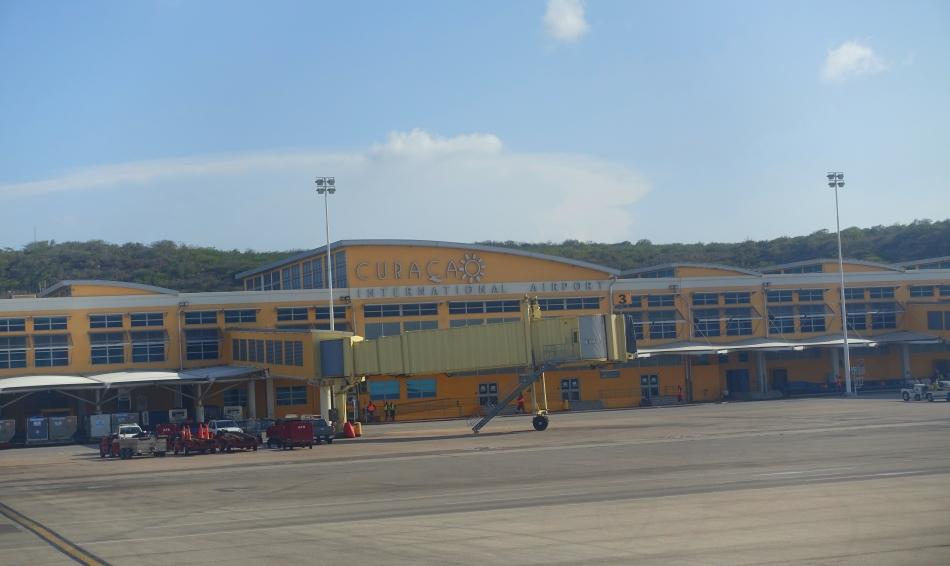 Flight home from Curacao-DSC03789
